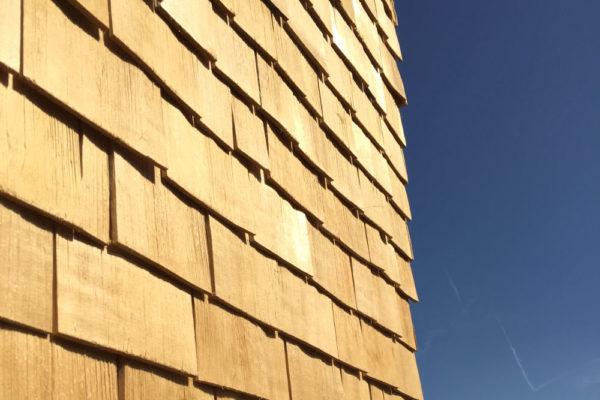 hotel-facade-tavaillon